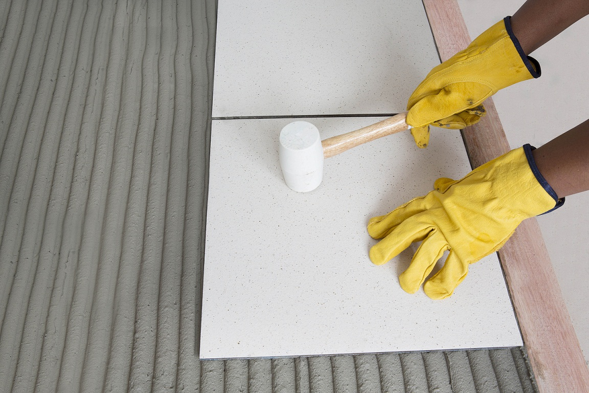 Top tools for tiling professionally tiling tools rubber malletg dailygadgetfo Images